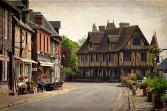 Le Vieux Manoir de Beuvron-en-Auge (florence.V) Tags: normandie calvados 14 beuvronenauge vieuxmanoir manoir xve photoshop texture france plusbeauxvillagesdefrance maisonsàcolombages