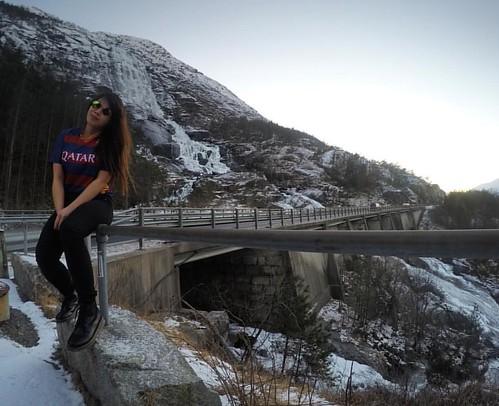 Never go too long without watching a sunset 🌄🚗💨 #roadtrip #wintertime #winter #winterwonderland #winterfun #norway #norge #ilovenorway #visitnorway #nature #wanderlust #mountains #waterfall #waterfalls #happykid #stopov