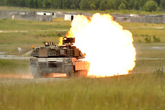 M1A2 tank gunnery at Grafenwoehr during Combined Resolve II (7thArmyJMTC) Tags: by germany de soldiers erf abrams gta tanks usarmy m1a2abrams usarmyeurope usareur visualinformation 1stcavalrydivision grafenwoehr 25cav tsae grafenwoehrtrainingarea usarmyineurope jmtc jointmultinationaltrainingcommand markusrauchenberger trainingsupportactivityeurope europeanrotationalforce combinedresolveii