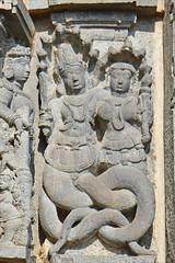 Naga et Nagini (Temple de Chennakeshava à Belur, Inde)
