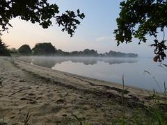 L'tang de Bellebouche au petit matin (vanaspati1) Tags: morning france water de la berry eau indre centre paysage parc matin tang naturel bellebouche rgional brenne mziresenbrenne vanaspati1