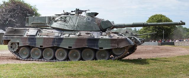 Leopard Tank