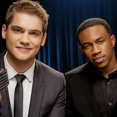 Mancrush Monday. Who wants to come with me to meet these hot guys on the 31st?? #mcm #mancrushmonday #malcolmkelly #tonyoller #justshowupshow #1037theq #hot #mkto #classic #guys #brookwoodvillage #Monday #selfie #instagpod #picoftheday