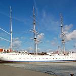 Segelschulschiff »Gorch Fock (1)« im Stralsunder Hafen vor Anker (3) thumbnail