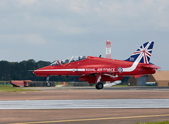 Red Arrows (Bernie Condon) Tags: tattoo plane flying display hawk aircraft aviation military jet airshow arrows reds bae trainer redarrows raf ffd fairford riat airtattoo rafat riat14