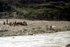 21-784 (ndpa / s. lundeen, archivist) Tags: nepal people color film rural 35mm river 21 nick watersedge nepalese 1970s riverbank 1972 himalayas nepali dewolf riversedge localpeople nickdewolf photographbynickdewolf ruralnepal reel21 hillyregion