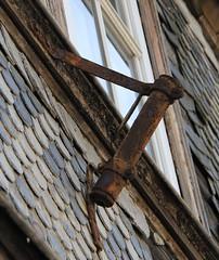 (:Linda:) Tags: germany town rusty thuringia flagholder hildburghausen fishscalepattern