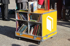 Ideas Box - Bibliothques sans Frontires (ActuaLitt) Tags: lyon box ideas livre bsf philippe starck 2014 humanitaire ifla wlic