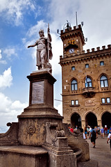 Statue of Tilia Heyroth Wagener (Curtis Gregory Perry) Tags: statue nikon sanmarino palazzo publico tilia wagener d800e heyroth
