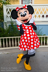 DLP Aug 2014 - Meeting Minnie Mouse (PeterPanFan) Tags: travel summer vacation france canon mainstreet europe character august disney characters minniemouse aug mainst townsquare disneylandparis dlp mainstreetusa 2014 disneylandresortparis disneycharacters disneycharacter marnelavallée mainstusa mickeyfriends parcdisneyland disneyparks canoneos5dmarkiii disneylandparispark