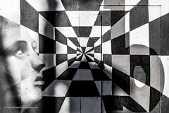 Lockedtical illusion