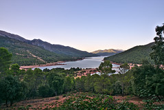 Embalse del Tranco de Beas (Sierra de Cazorla, Jaen) (J.A.G. Gallego) Tags: río guadalquivir sony sierradecazorla a99 trancodebeas darktable tamron2470usd