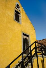 Culross Palace (Matt 82) Tags: autumn building yellow architecture scotland nikon september 24mm culross falkirk clackmannanshire centralscotland d5100 nikonafsdx1024mmf3545ged matt82