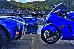 Face off (Alex Rainnie - Bikerazzi (FB)) Tags: blue honda scotland bikes blackbird