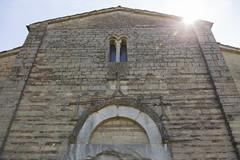 Montelabbate (Pu), abbazia di San Tommaso in Foglia (www.turismo.marche.it) Tags: montelabbate pesaro pesaroeurbino provinciadipesaroeurbino abbazia abbaziadisantommasoinfoglia chiesa spiritualità facciata