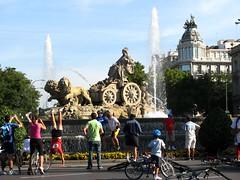 IMG_4329 (petercan2008) Tags: madrid bicicletas dia sin coche plaza de cibeles españa