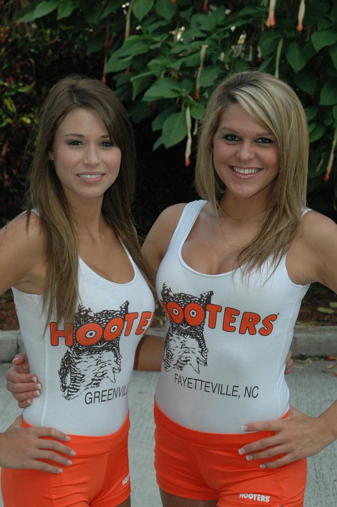 Orange shorts girls Hooters