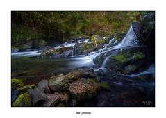 Río Ferrerías... (Canconio59) Tags: río river fervenza ríoferrerías galicia españa spain agua water verde green rocas rocks longexposition largaexposición