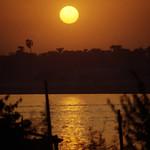 Ägypten 1999 (768) Luxor: Sonnenuntergang am Nil thumbnail