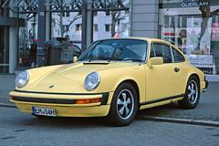Best sports car ever. (Rob de Hero) Tags: limburg autoclassic2017 auto car classic 2017 oldtimer porsche 911 911s porsche911 1976 fuxfelgen autoclassic limburgautoclassic2017 cars