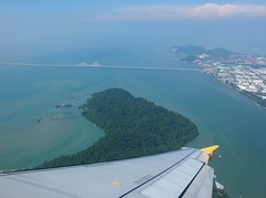 Fly Over 2nd Penang Bridge (stardex) Tags: bridge sea sky architecture island wing malaysia penang 299 270 penangbridge tigerair stardex 2ndpenangbridge