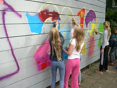 "zomerspelen 2013 Graffiti workshop • <a style=""font-size:0.8em;"" href=""http://www.flickr.com/photos/125345099@N08/14384068036/"" target=""_blank"">View on Flickr</a>"