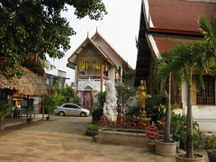 Overview of the buildings inside the wat complex (shankar s.) Tags: thailand southeastasia buddhism chiangmai wat highstreet buddhisttemple norththailand buddhistshrine buddhistreligion watsrisuphan chiangmaistreet buddhistfaith silverubosot chiangmaitraffic downtownchiangmai