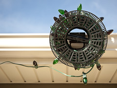 Install N' Store™ (Christmas World) Tags: lighting christmas holiday storage ladder gutter hang c9 c7 christmaslitescom