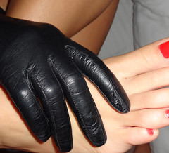 DSC01472 (heellover91) Tags: red woman black sexy feet girl leather foot opera toes soft legs sensual gloves feeling rubbing