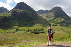 Glencoe (svendoehler) Tags: sisters scotland three britain great glen glencoe bagpipes coe schottland dudelsack