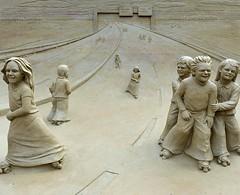 Zandsculpturen Garderen (FaceMePLS) Tags: sculpture sand expo nederland thenetherlands skulptur sculptuur exhibition sandcastle sandburg expositie zand tentoonstelling garderen zandkasteel facemepls châteaudesable nikond700 gemeentebarneveld