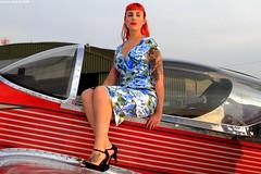 Pin Up de la Patrouille Swift (Laurent Spotter & Pictures) Tags: pinup femme woman girl people portrait aviation patrouilleswift france canon eos7d