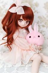 Mikan-chan & Mysterious Fur-ball X (TURBOW) Tags: doll toy dollfie volks dollfiedream minidollfiedream mdd ddh01 lullabypoemwig sws semiwhiteskin