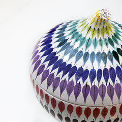 - Spectrum Leaf - (Jacqueline ter Haar) Tags: bowl cover titled spektralöv spectrumleaf tinglazed earthenware with painted designed by stiglindberg made gustavsberg sweden 1947 va collection vam color colors spectrum
