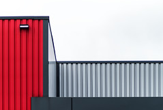 minimal urban lines II (Lunor 61) Tags: abstract abstrakt minimal minimalismus minimalistisch minimalistic urban city building facade fassade lines linien symmetry symmetrie graphic textures red rot grey grau black schwarz white weis architecture architektur ireneeberwein
