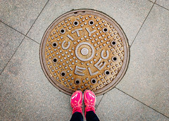 (~ cynthiak ~) Tags: 365 365days 3652017 2017 april april2017 selfportrait fromwhereistand chicago manhole manholecover cityelectric ourdailychallenge odc circles circlesinsideacircle 92365 apc0261 iphone iphone7plus raw iphone7plusraw