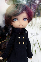 The last touch of winter (Antique bag // Inesu_1) Tags: liladoll doll lila soom snow dollphotography muñeca bjd boneca nina montain monserrat