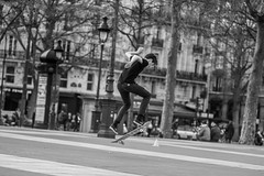 IMG_1844 (::Lens a Lot::) Tags: paris | 2016 lzos zenit jupiter9 85mm ƒ2 зенит юпитер9 15 blades aperture preset lens 1992 m42 mount f4 black white street photography depth field bokeh contrast vintage manual prime russian noir et blanc monochrome