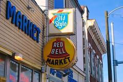 Red Bell Market, Milwaukee Wisconsin (Cragin Spring) Tags: sign market grocery grocerystore redbell redbellmarket oldstyle oldstylebeer beer beersign building milwaukee milwaukeewi milwaukeewisconsin wisconsin wi city urban unitedstates usa unitedstatesofamerica piwo bier midtown vlietstreet