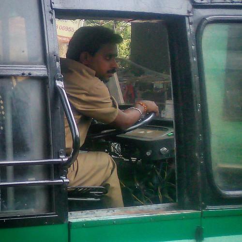 #что_там #what_is_there 202 день в пути В Индии на дороге самый главный - автобус! А все водители бывшие участники Формулы 1 - ведут автобус с немыслимой для этого сооружения скоростью и виртуозностью ! А для того, что бы всем, кто на дороге, было известн