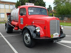 MERCEDES L311 (1956) Goudronneuse Acmar (xavnco2) Tags: old red france truck rouge mercedes mine lorry camion mercedesbenz trucks 1956 rosso nord tar arenberg lkw randonne 2014 camions autocarro spreader anciens wallersarenberg acmar goudronneuse l311 raucca lesroisdelarouteaupaysdeschtis