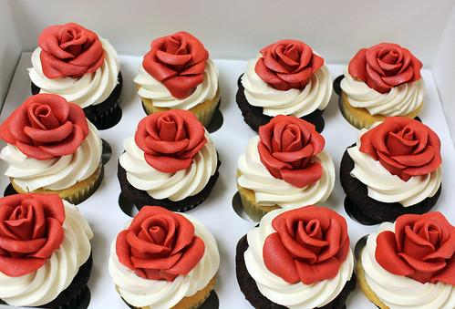 Dozen Roses Cupcakes