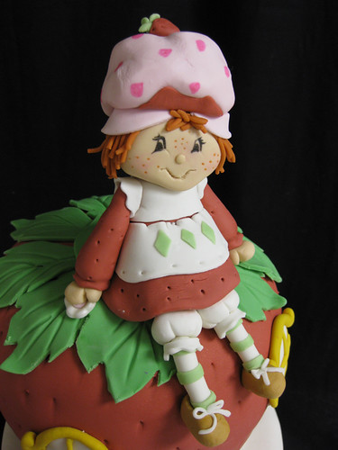 Strawberry Shortcake Cake Figurine