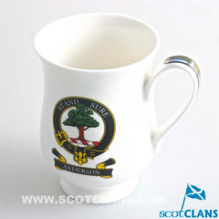 Anderson Clan Crest Belly Mug