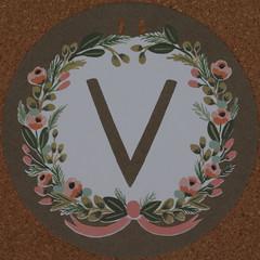Garland Letter V (Leo Reynolds) Tags: garland v letter squaredcircle oneletter letterset vvv grouponeletter xsquarex xleol30x sqset107 xxx2014xxx