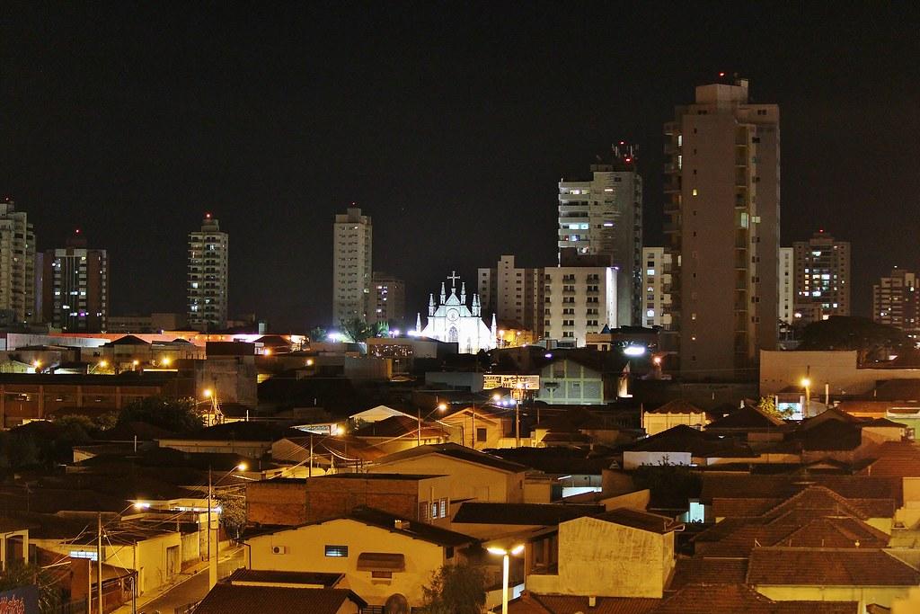Araraquara Com Santa Cruz Ao Fundo Catherine Bird Tags Santacruz Noturna Igreja