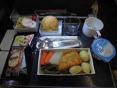 Dinner, SQ 12 NRT - LAX (kevincrumbs) Tags: food salmon airbus a380 inflightmeal sq singaporeairlines airbusa380 a380800 airbusa380800 9vskp