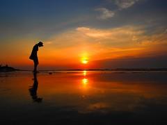 sunset-660 (imageborder(poetry&humanity)) Tags: thebestofmimamorsgroups flickrsportal magicmomentsinyourlifelevel2 wordwidelandsccape