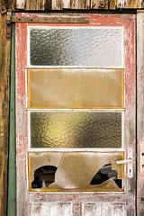 Door (genf) Tags: door wood old france window glass sony plastic ramen torn frankrijk knob oud glas hout raam deur a77 klink gebroken verweerd soustons brokenb