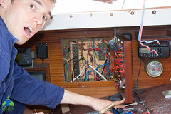 Bérenger découvre le circuit électrique